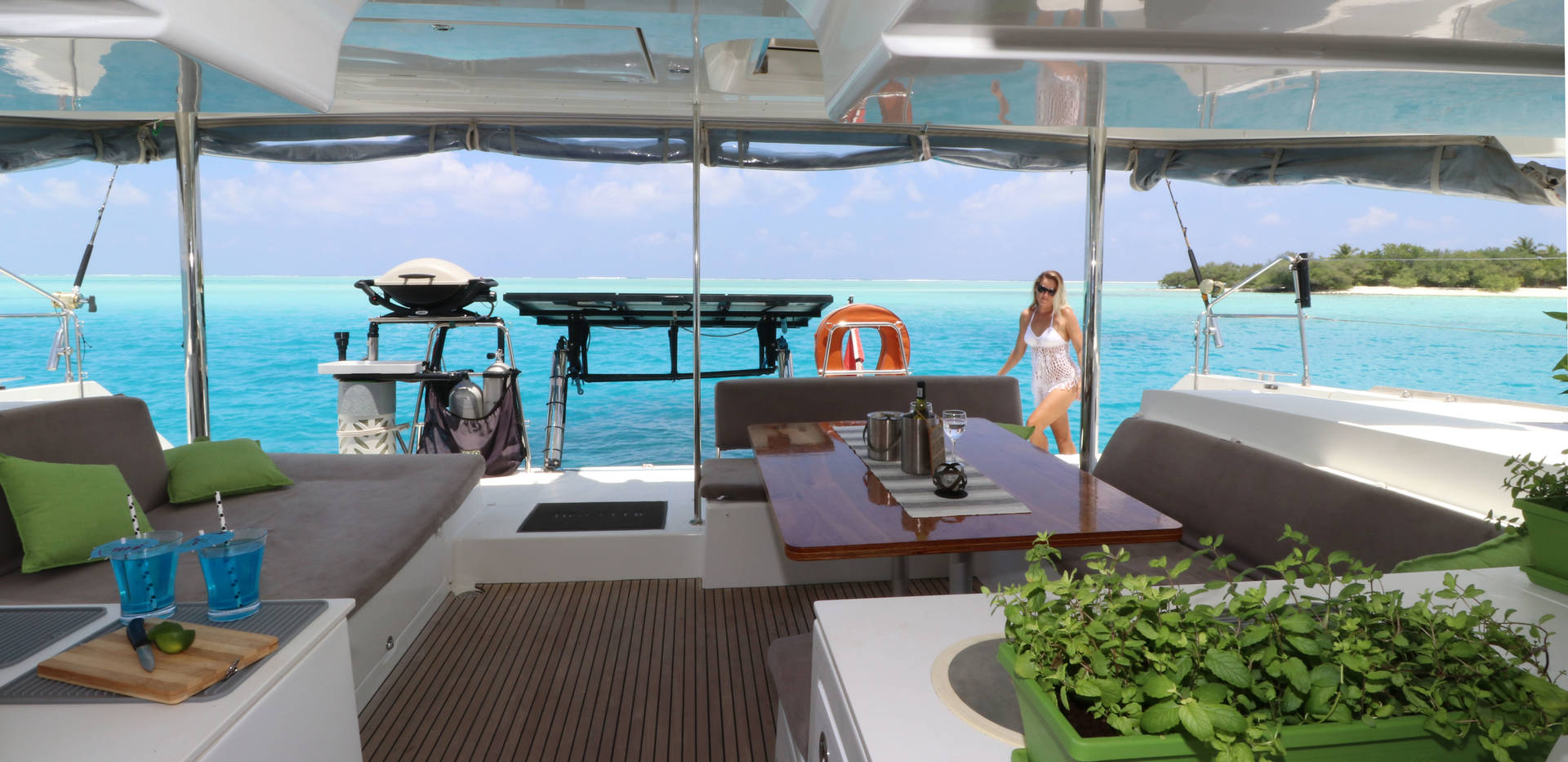 Cockpit - Outdoor dining & lounging area | Elysia Luxury Yacht Charters Maldives