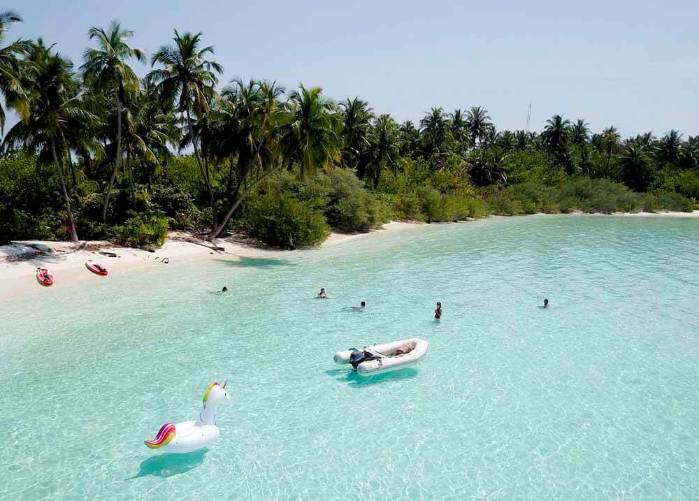 Chilling out at the Beach | Elysia Charters - Maldives Holiday Package