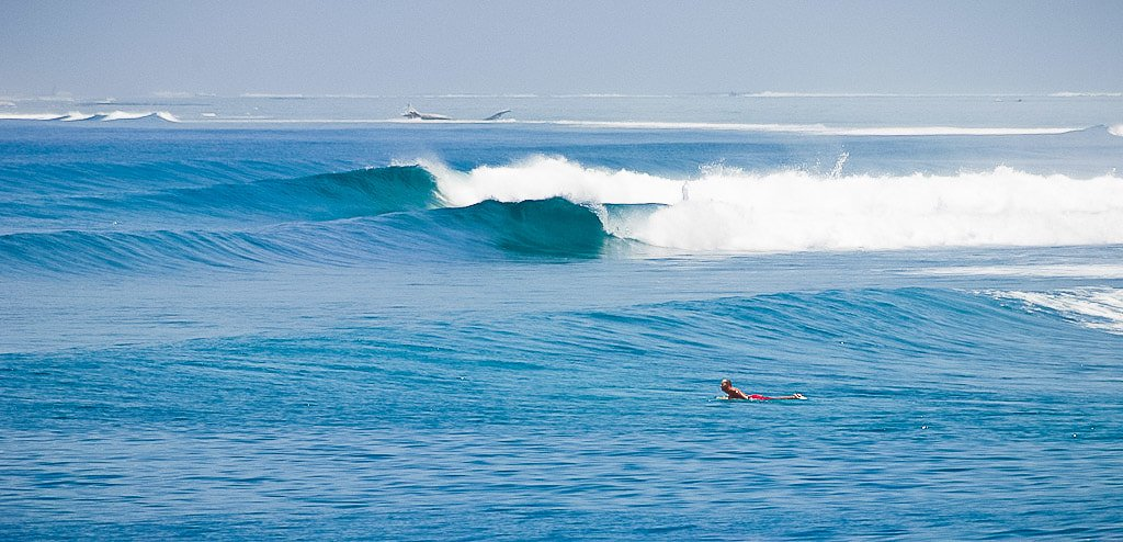 Fun waves and enjoy Maldive Surfing with Elysia Surf Charters Maldives