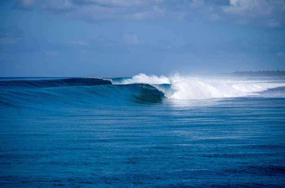 Yet-another-unridden-wave-Elysia-Surf-Charters-Maldives (1)
